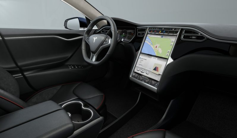Tesla Model S 85 Azul metalizado Negro piano Interior 1