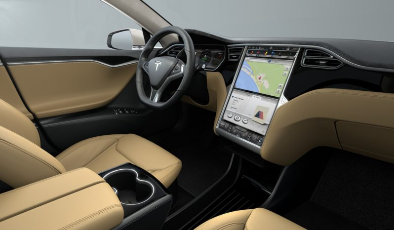 Tesla Model S 70 Blanco Sólido Negro piano Interior 1